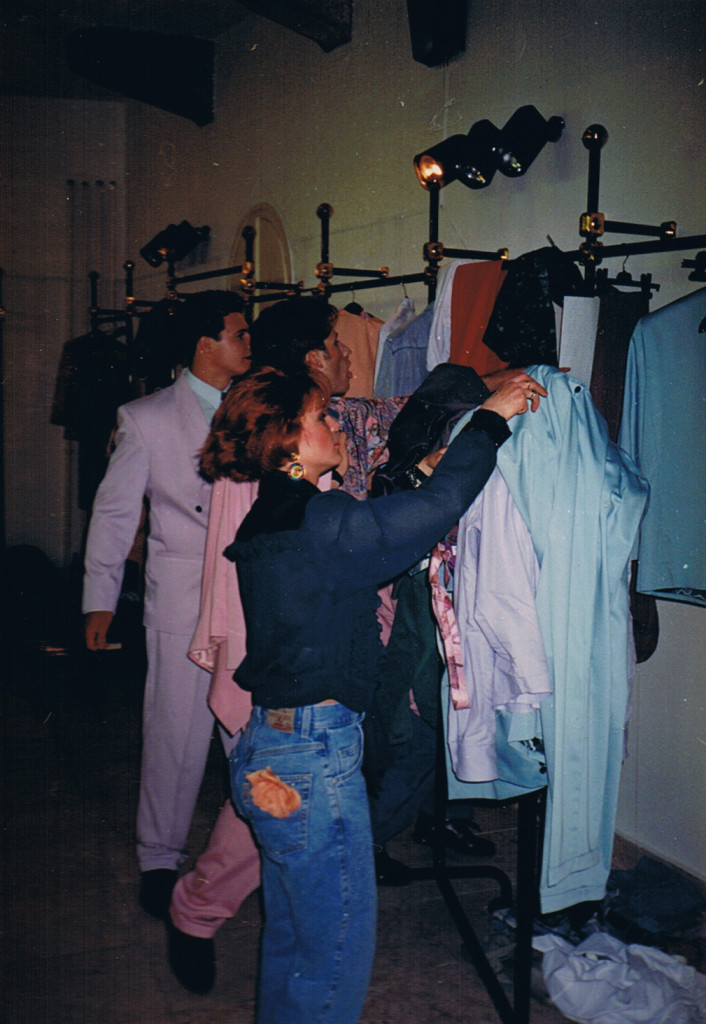 Swing Tünde áruház megnyitója alkalmából rendezett divatbemutató - Stage (1993) - Image copyright © 1993 edit csanak